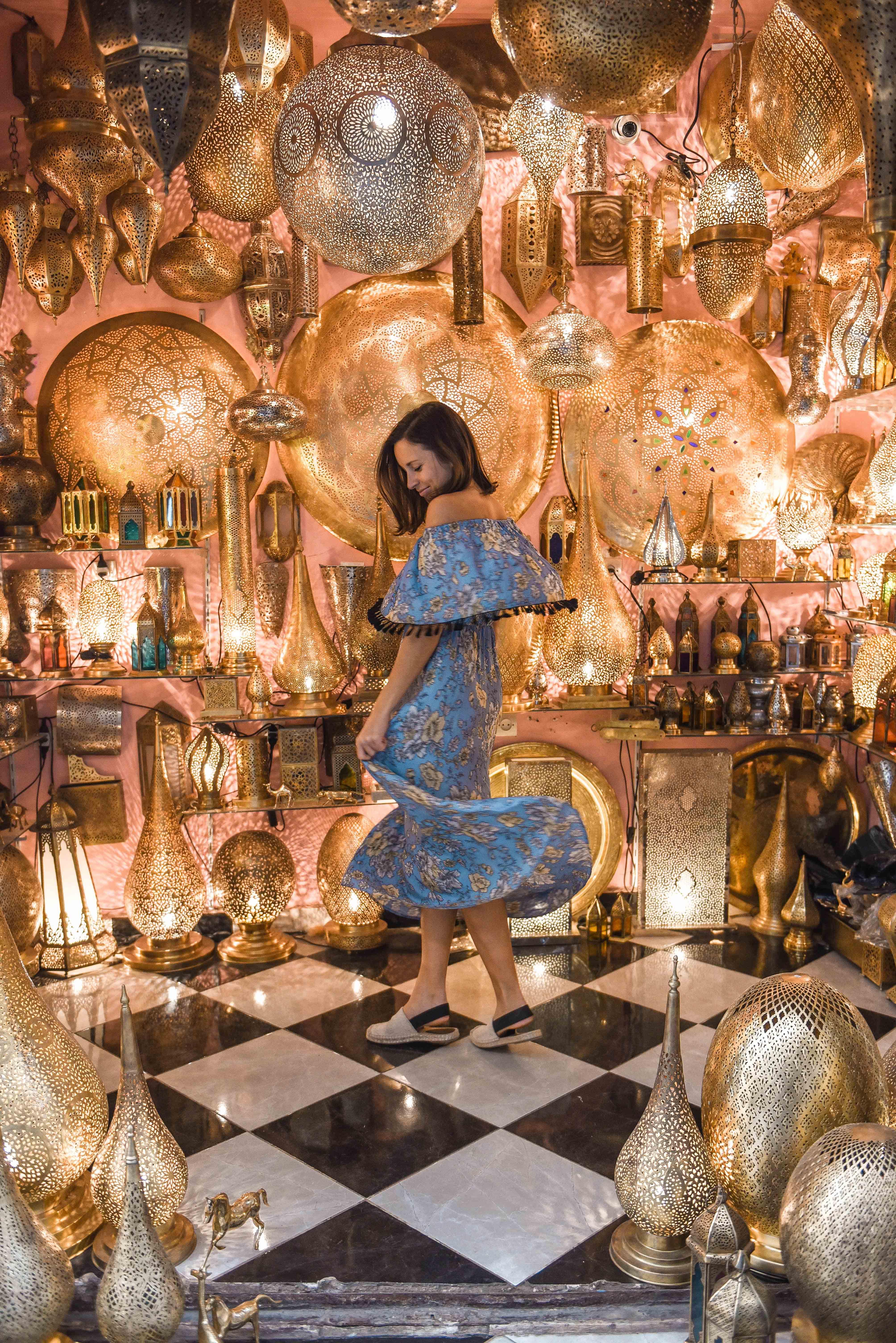 Lulu spinning in a market in fez