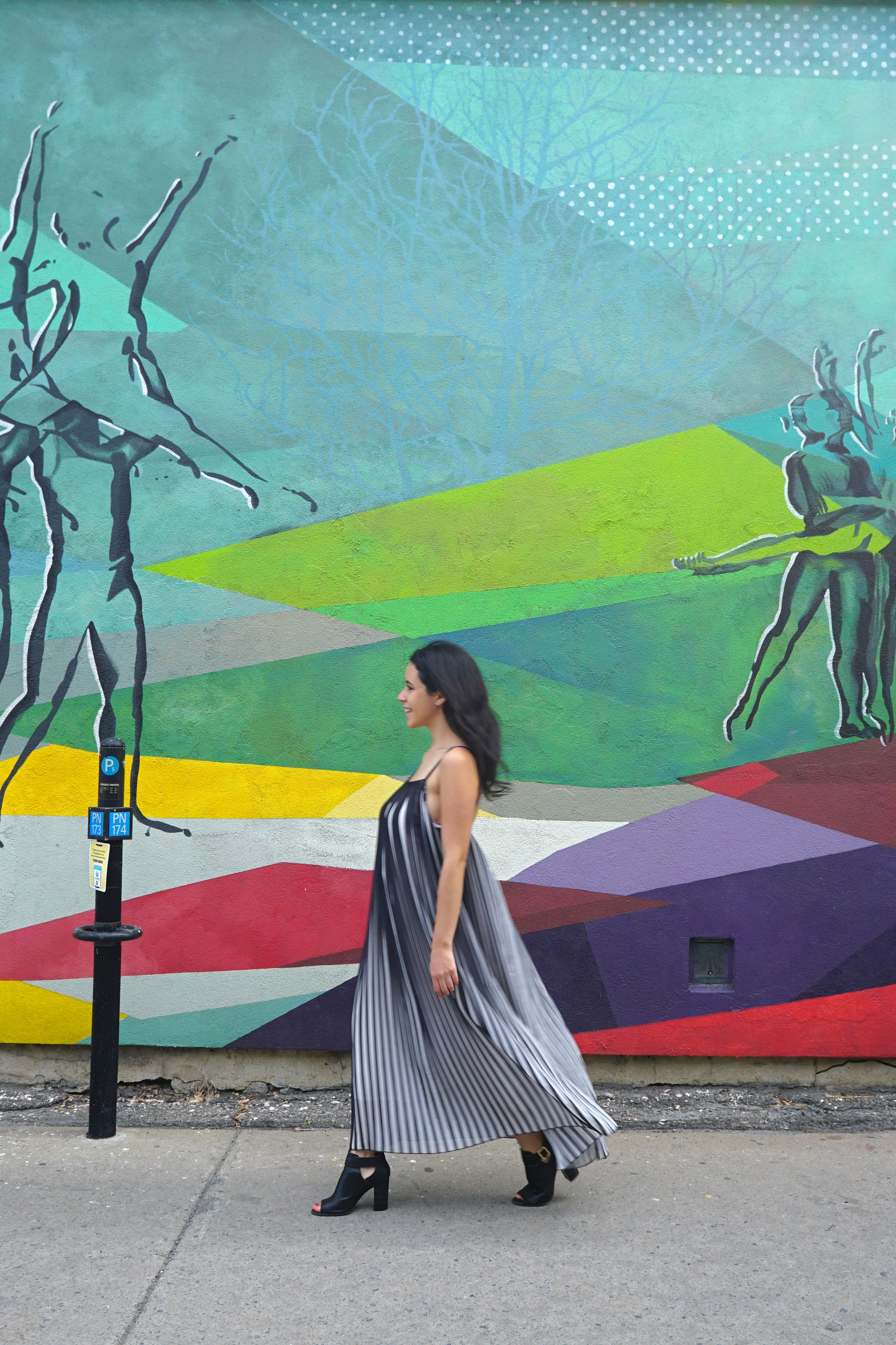 The Travel Women Guide to Street Photography Stride By