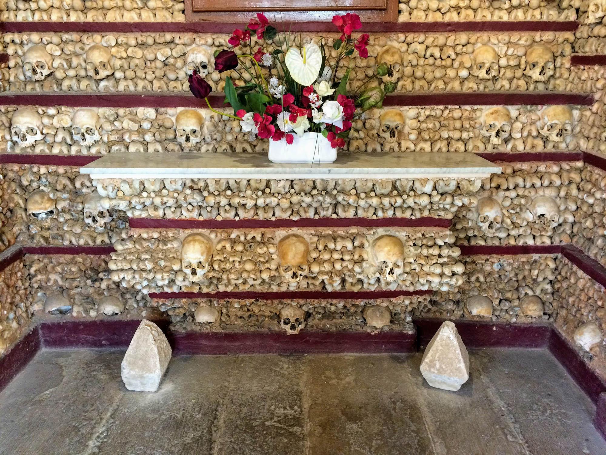 Top 11 Things to do in Algarve bones chapel faro