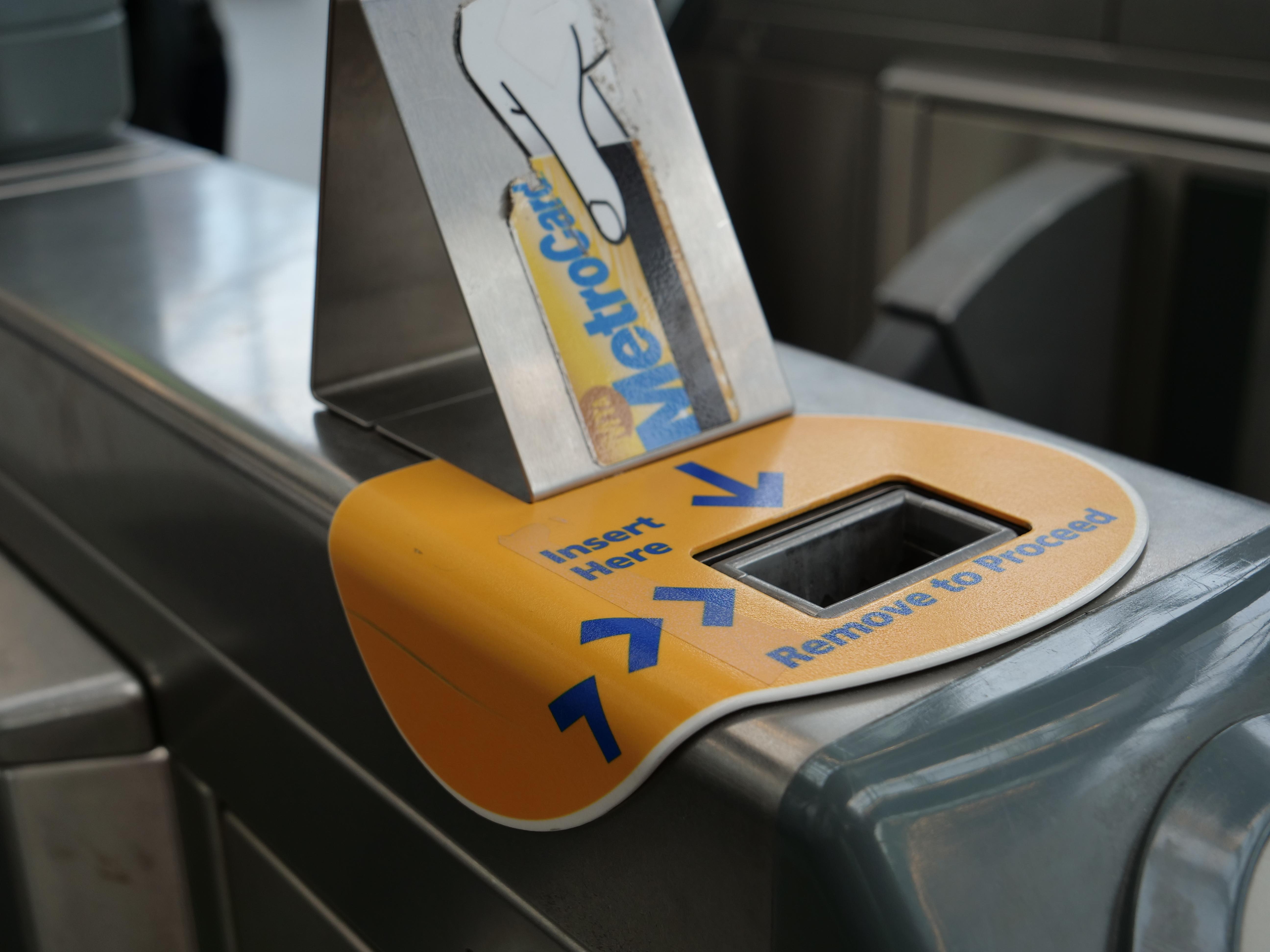 JFK NYC airtrain metrocard subway