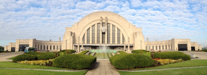 Cincinnati Union Terminal with the unique art deco fountain in front of the half dome entrance