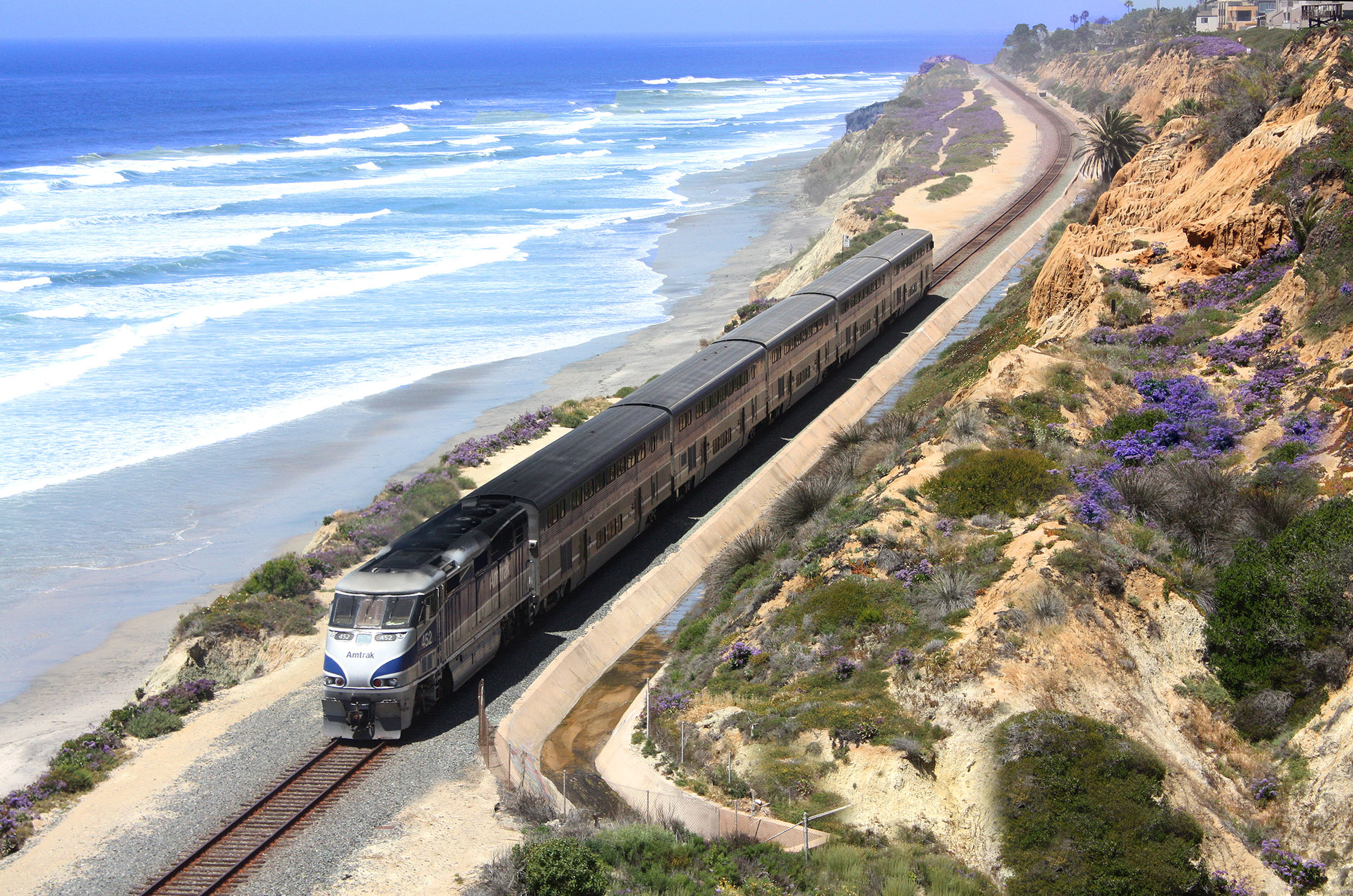 View of the Pacific Surfliner along the coast