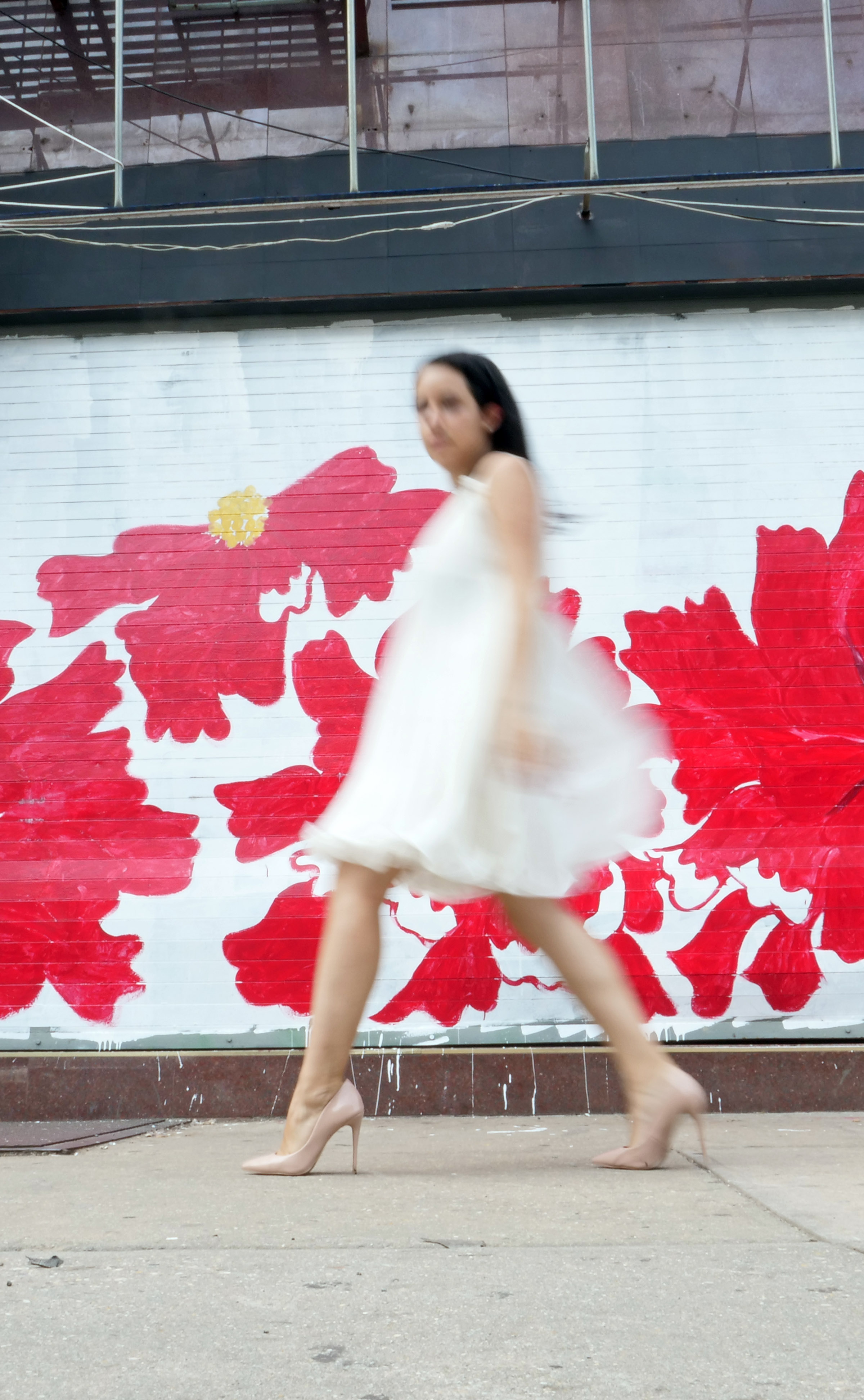The Travel Women Street Photography Guide: Stride By