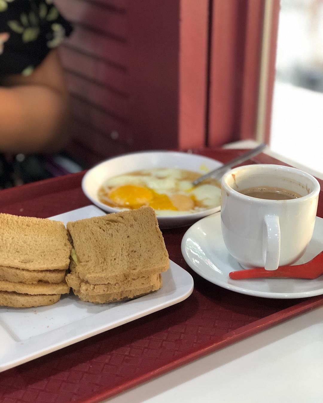 Singapore Breakfast at Ya Kun Kaya Toast